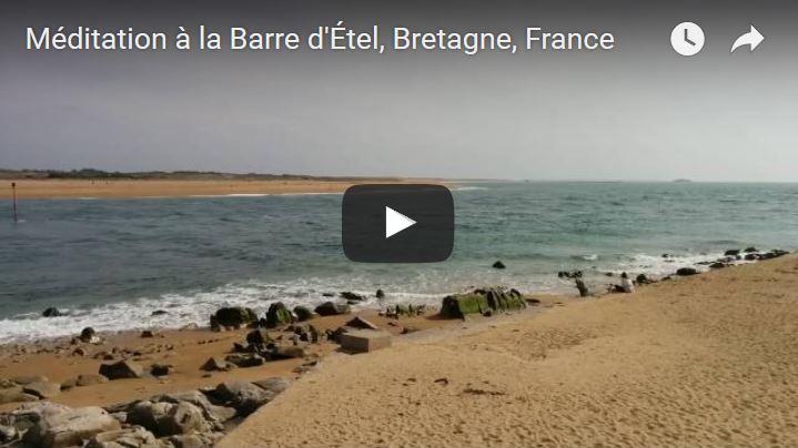 Méditation au bord de mer en Bretagne 1